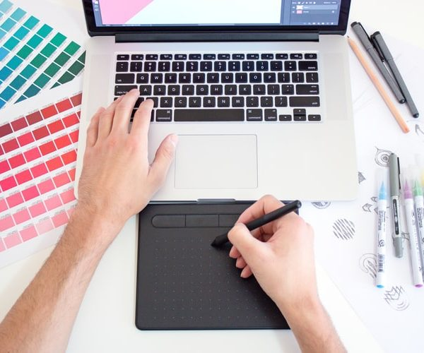 Vaš zaposleni na obuci za grafičkog dizajnera
